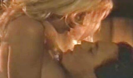 Die heiße kostenlose pornofilme zum anschauen tschechische Lapdancerin zeigt ihre natürlichen Brüste