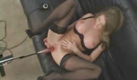 Durchbohrte kostenlose sexfilme zum anschauen und tätowierte Straßenhacke mit einem anderen Mädchen