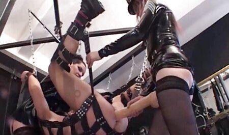 Heiße Brünette gibt einen tollen Blowjob sexfilme online schauen