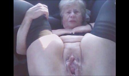 Nacktes Küken wird gefingert und pornos frei sehen Oralsex