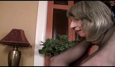 blonde Mutter und pornofilme sehen kleiner Junge
