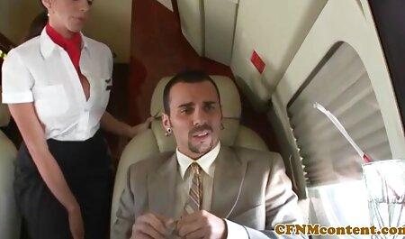 Tätowierte MILF zeigt ihren schönen kurvigen Arsch für Glückspilz und wird sexfilme zum anschauen dann gefickt