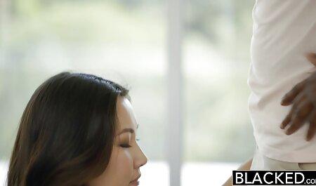 Hot Brunette nimmt 2 in kostenlose sexfilme ansehen die Hintertür