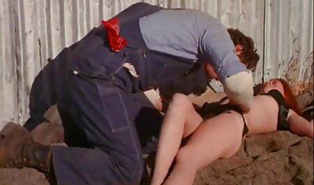Süße kostenlose pornos zum anschauen rasierte Dame masturbiert beim 1. Casting