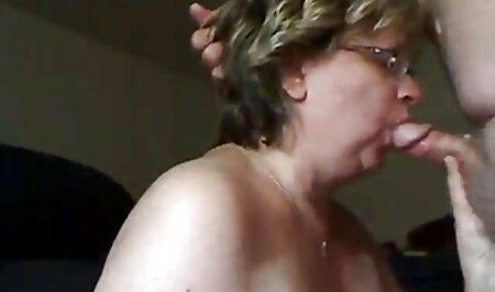 Amateur Teen geben ihrem Freund einen Blowjob und Handjob deutsche sexfilme kostenlos ansehen