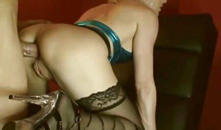 Stella Delacroix lässt ihren Arsch pornos online kostenlos schauen untersuchen