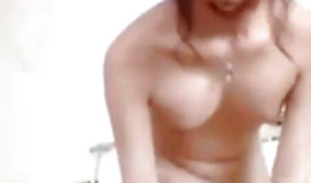 Lou Charmelle pornos gratis online anschauen Brille tragen und Anal genießen!