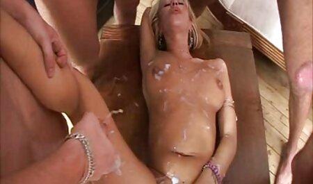 Shining Oiled Black pornofilme umsonst sehen Beauty spielt mit Pussy & Ass