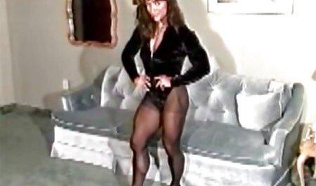 Versaute Brünette saugt und fickt sexfilme kostenlos anschauen viele steife Schwänze - Teil 1