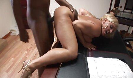 heiße sexy Blondine zeigt, was pornos für frauen kostenlos ansehen sie hat