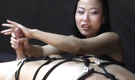 Brünette wird geil und gibt Kerl Blowjob auf kostenlos pornos schauen ohne anmeldung den Knien
