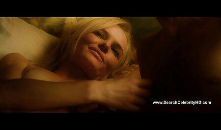 Blonde Milf lutscht den Schwanz des alten pornofilme schauen Mannes