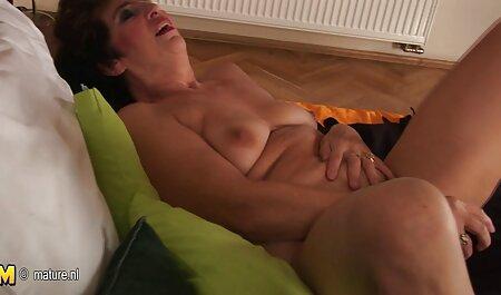 Wenn sie einen heißen roten Kopf raucht, wird ihr enges Arschloch von gratis deutsche pornos anschauen einer Brünetten geleckt